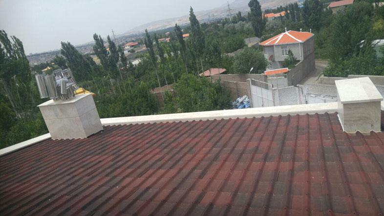 سقف شیب دار آندولین با تاپ تایل یا تایل سنگریزه ای چه تفاوتی دارد؟