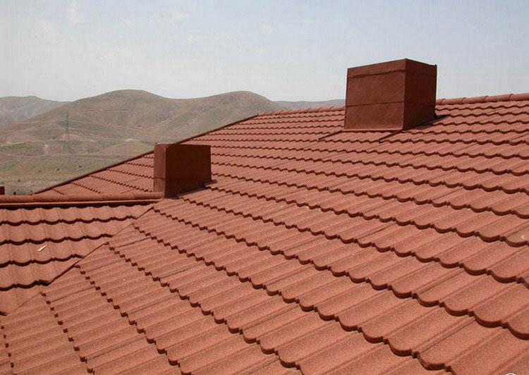 اجرای سقف شیبدار با ورق سنگریزهای دکرا
